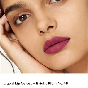 Burberry   Lip Velvet Matte - Bright Plum #49